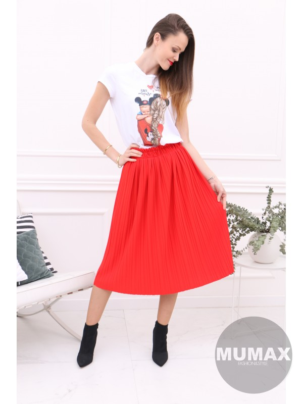 Červená suknička