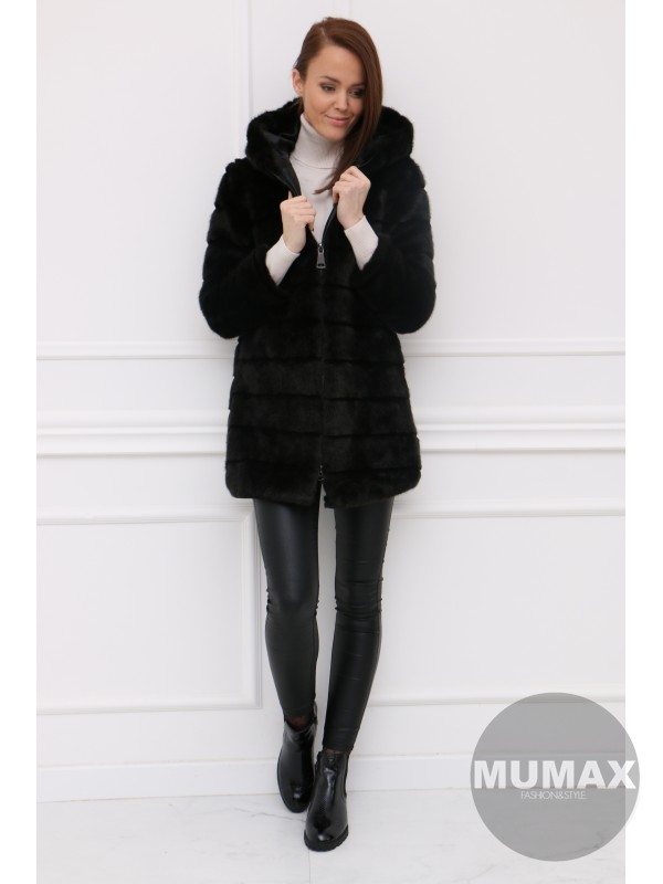 Čierny huňaty kabátik