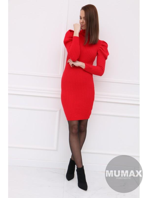 Červené pletené šaty
