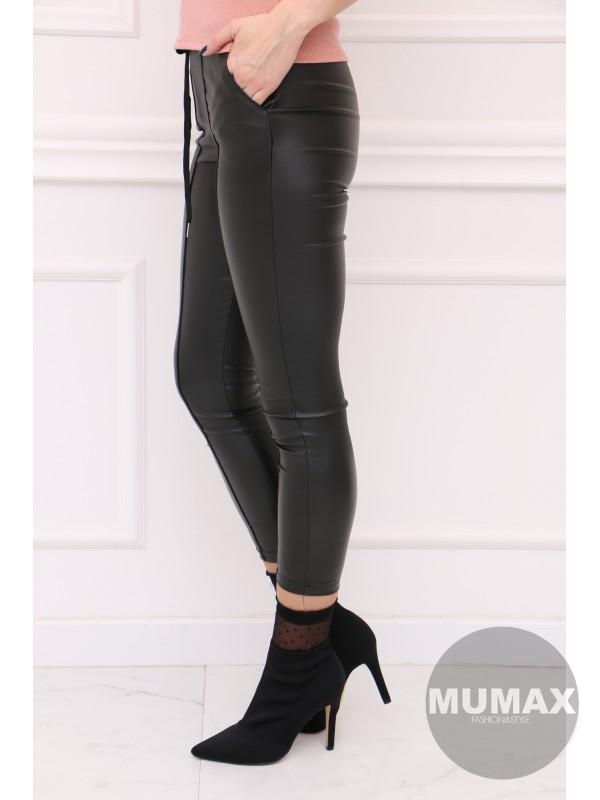 Čierné koženkové nohavice