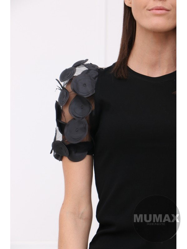 Čierné tričko s 3D aplikáciou