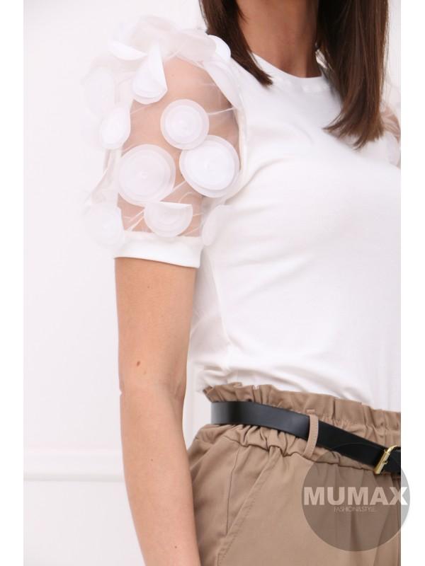 Bielé tričko s 3D aplikáciou