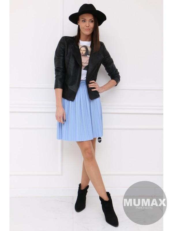 Modrá krátka suknička