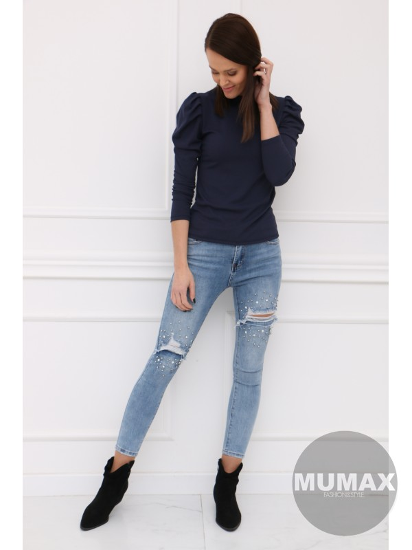 Tmavomodré tričko s dlhými rukávmi