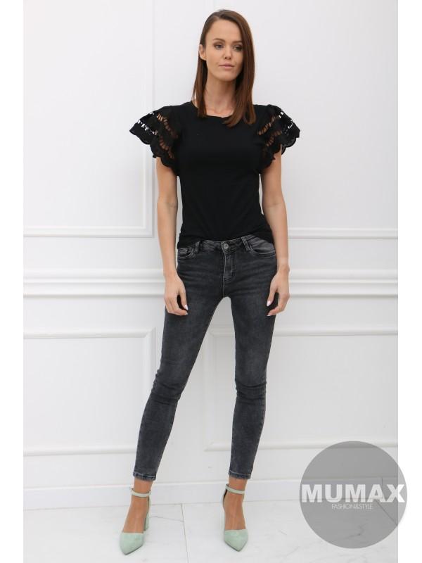 Trendy čierné tričko