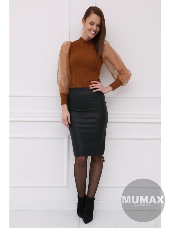 Čierná koženková sukňa