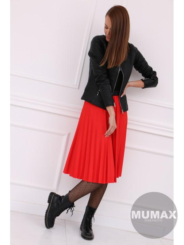 Červená plisovaná sukňa