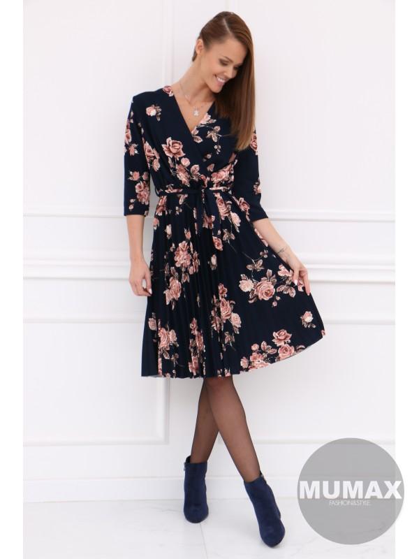 Plisované tmavomodré šaty