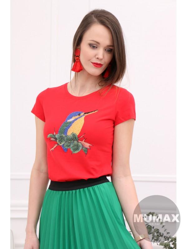 Červené tričko s vtáčikom