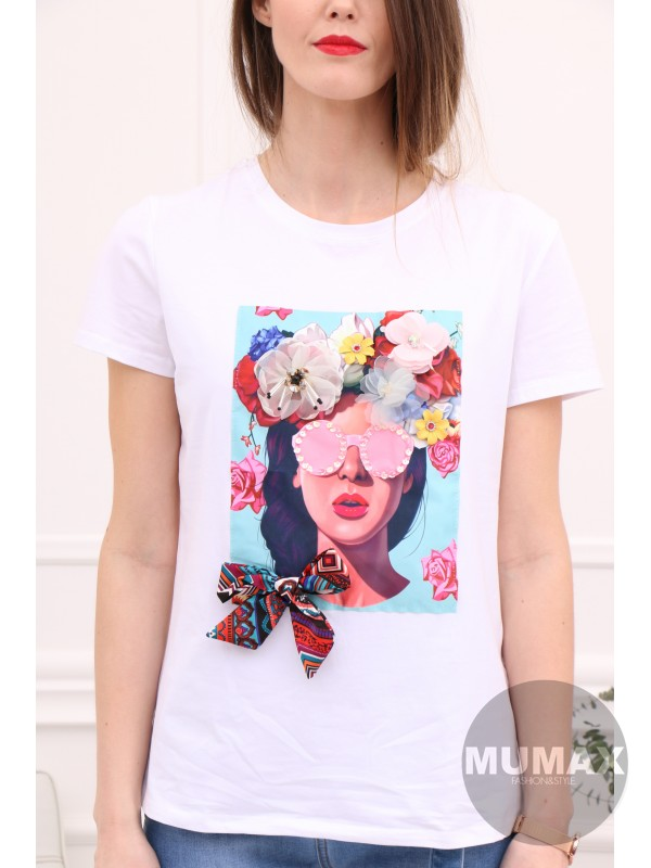 Biele tričko s 3D kvetmi