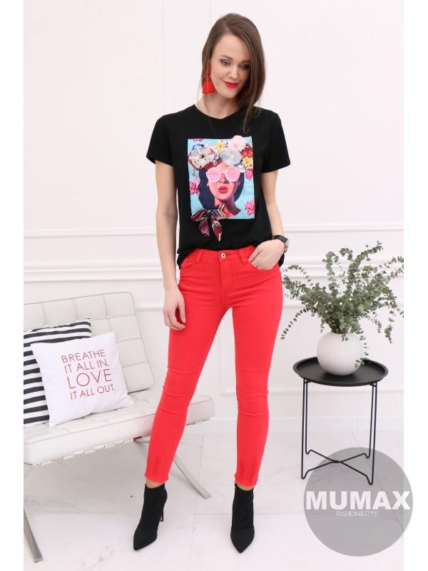 Čierne tričko s 3D kvetmi