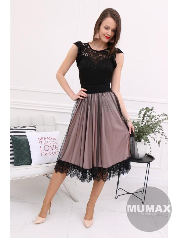 Ružová sukňa s krajkou