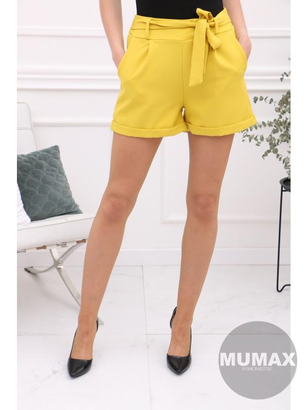 Žlté krátke nohavice