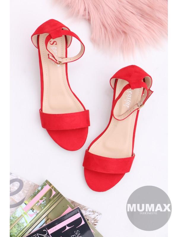 Červené sandálky